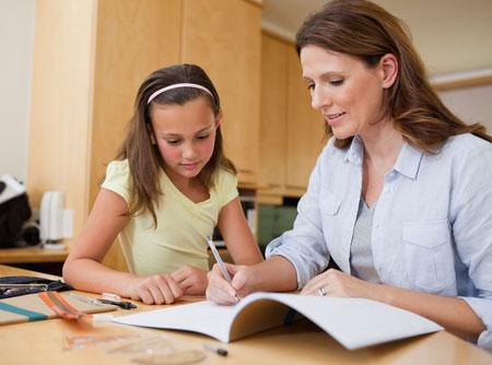 Ma mère fait mes devoirs à ma place, j'en ai marre